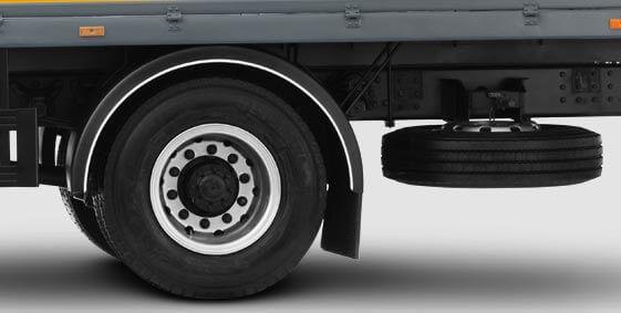 Tire guide for trucks