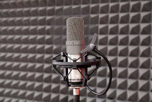 How To Use Acoustic Panel To Protect Your House From Noise