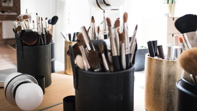 Utensil Holders For Your Beauty Products