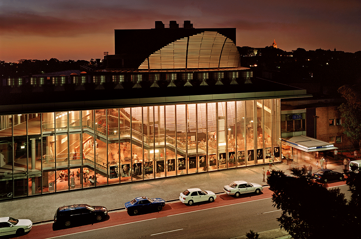 Instituto Nacional de Arte Dramático, Kensington