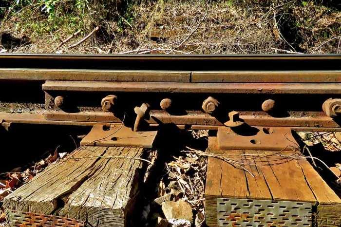 Túneis, trilhos e viadutos