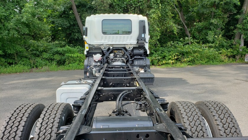 2020 Isuzu FTR cab & chassis