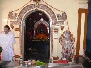 Служитель индуистского храма