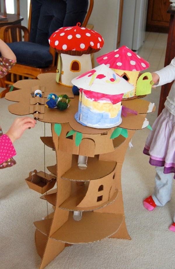A casa das fadas na árvore é trabalhosa, mas também encantadora.