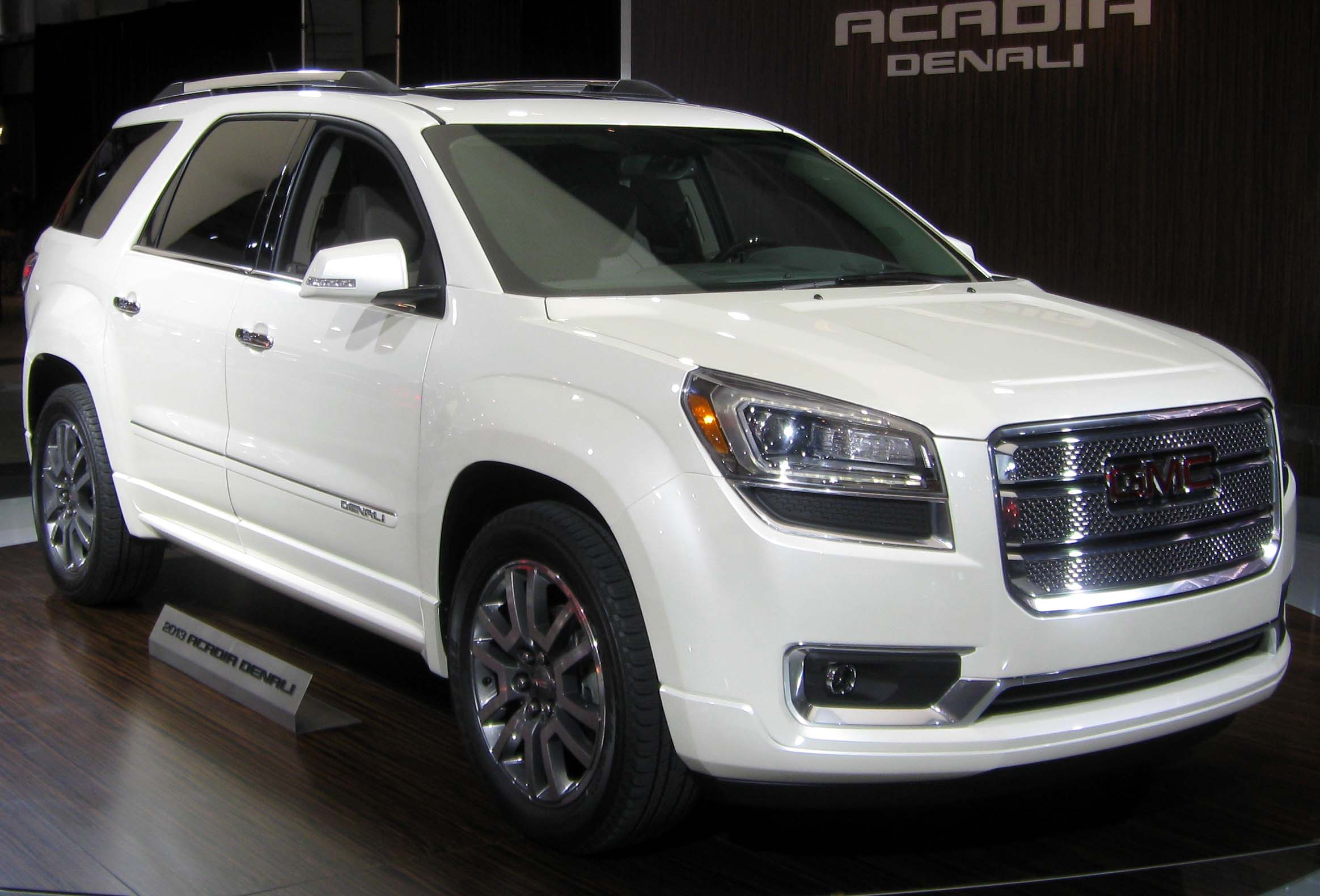 gmc acadia with captains chairs rocking nursing chair topworldauto gt photos of photo galleries