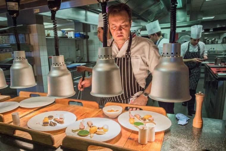 Emmanuel Renaut en cuisine