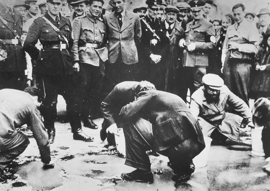השפלת יהודי וינה ברחובות העיר, עם סיפוח אוסטריה לגרמניה הנאצית