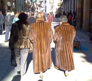Que tomen nota las señoras que compran abrigos de vison