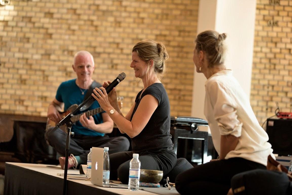 Torben Westergaard, Esther Sorgenfrei Blom og Lone Overby Fjorback, musik og mindfulness
