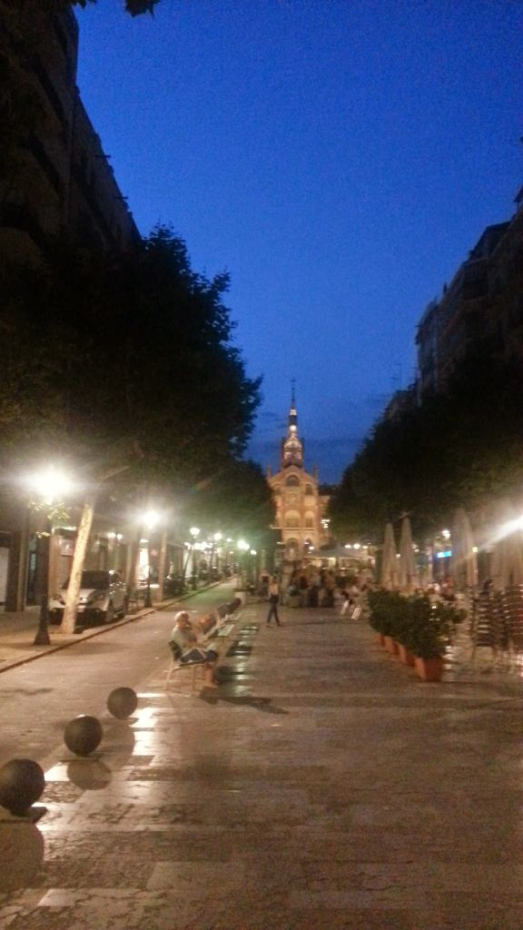 Avenue De Gaudi