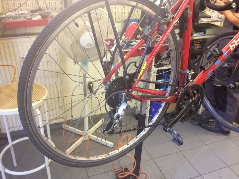 Totta's broken bike in Bike Shop in Osterholz-Scharmbeck