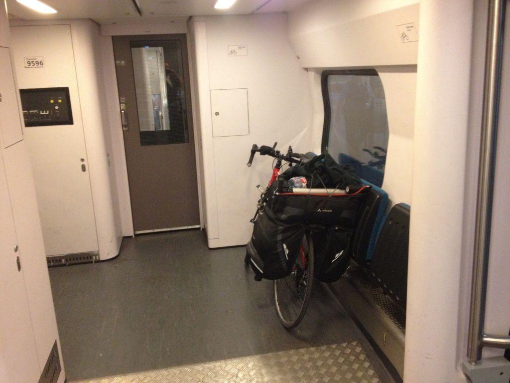 Totta's bike on a NS train