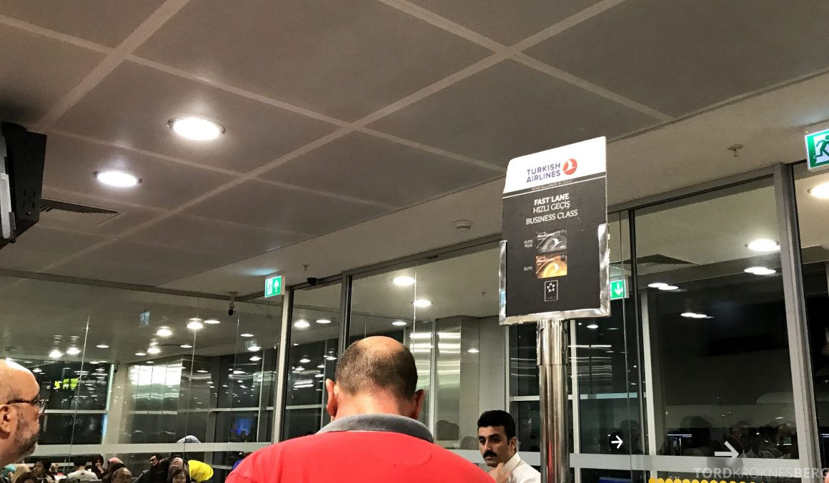 Turkish Airlines Business Class Istanbul Jakarta boarding