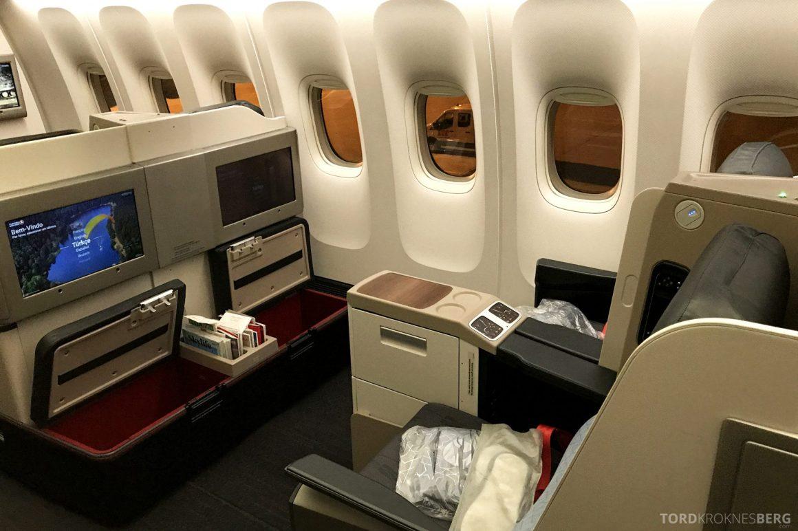 Turkish Airlines Business Class Istanbul Jakarta benplass