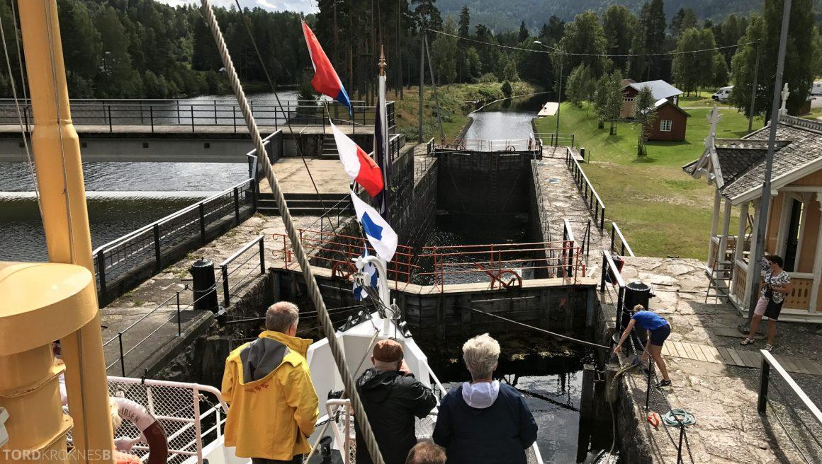 MS Henrik Ibsen Cruise Telemarkskanalen sluse