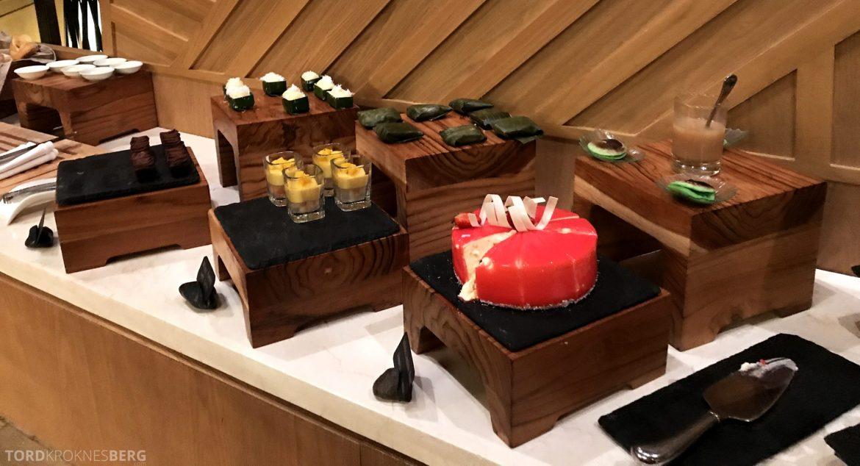 Ritz-Carlton Bali Club Lounge hors d'oeuvre kaker