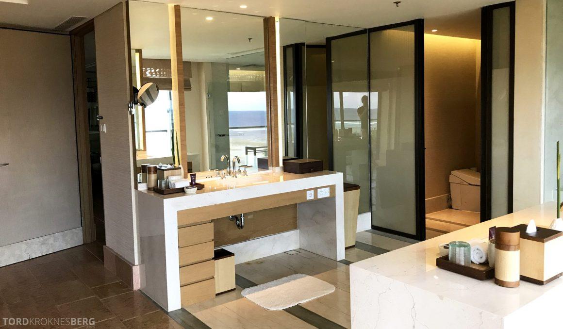 Ritz-Carlton Bali Suites sky villa åpent bad