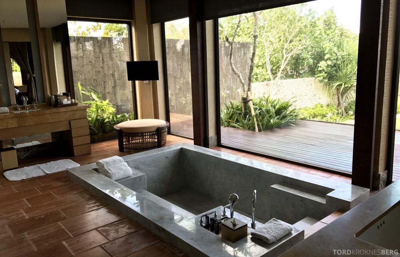 Ritz-Carlton Bali Suites presidential suite badekar