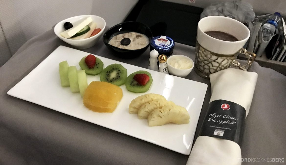 Turkish Airlines Business Class Jakarta Istanbul frokost