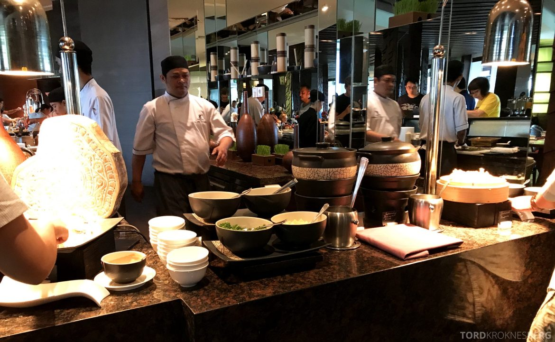 Ritz-Carlton Bali frokost asiatisk