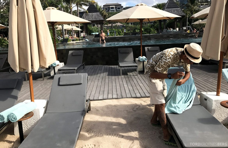 Ritz-Carlton Bali service strand