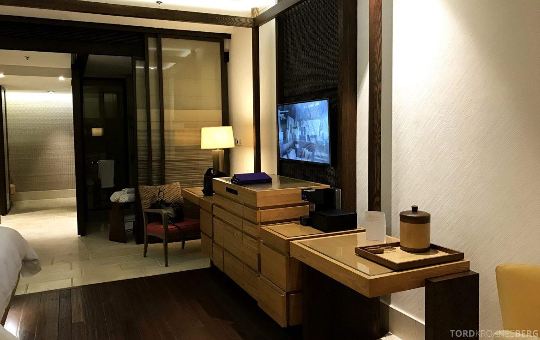 Ritz-Carlton Bali suite fjernsyn