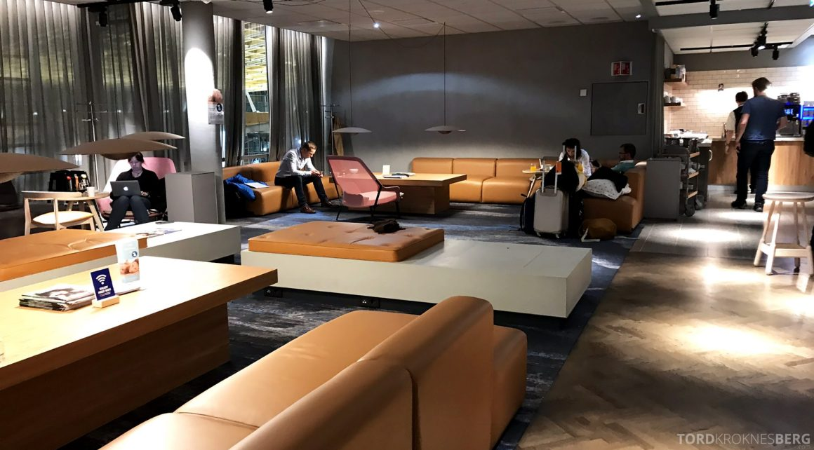SAS Lounge Oslo Innland sofa