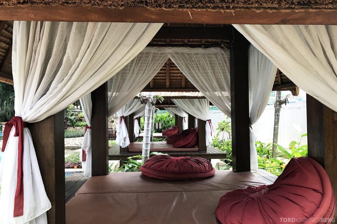 Ritz-Carlton Jakarta bungalow