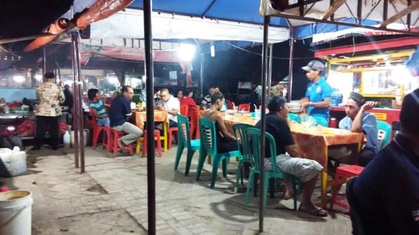 Suasana Wisata Kuliner Kampung Ujung Labuan Bajo