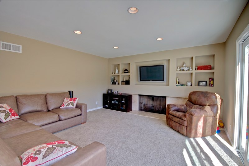 how to make living room accent chair home staging tips a small look bigger life in