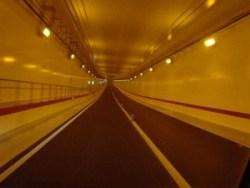 海底トンネルの作り方や仕組みについて 大陸間海底トンネルについてなども