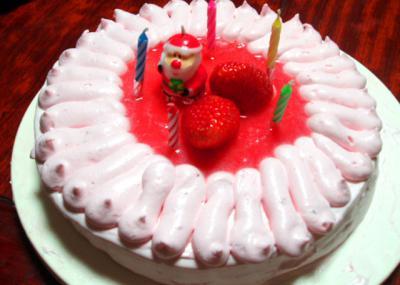 ピンクのクリスマスケーキ