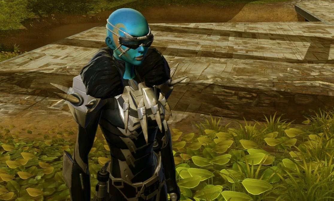 Aziela-Prim-Stalk-1-Garden