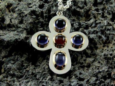 Kleeblatt Kreuz fünf Steine3