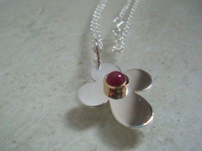 Kleeblatt rubin 1