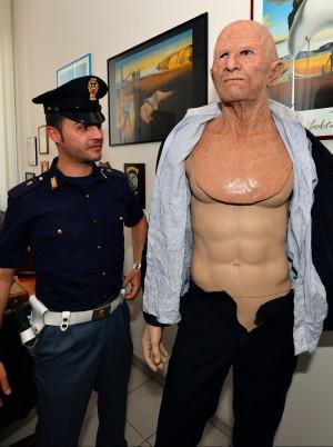 Arrestato rapinatore di banche travestito da pap dei