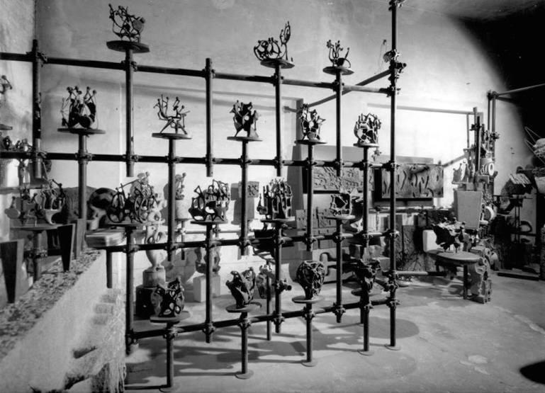 Magazzino via Messina bronzi