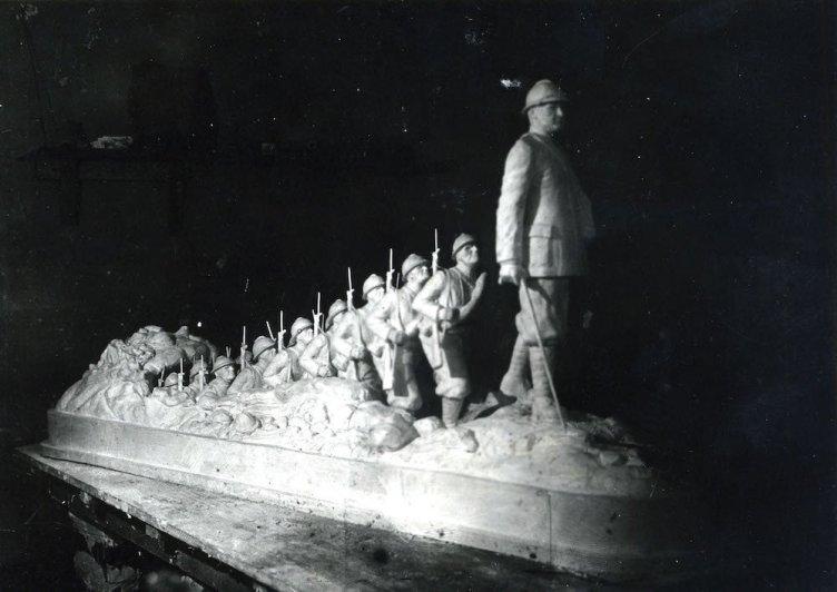 monumento 22