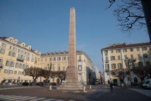 Piazza Savoia, panoramica con al centro l'obelisco