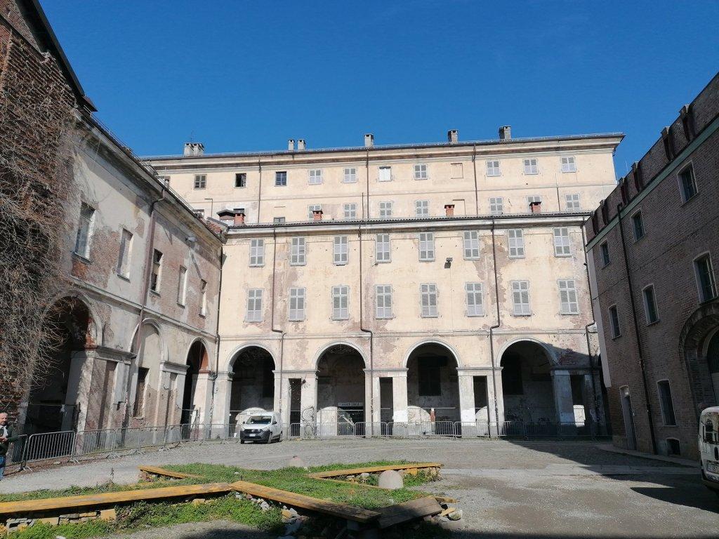 Cavallerizza, Torino, cortile