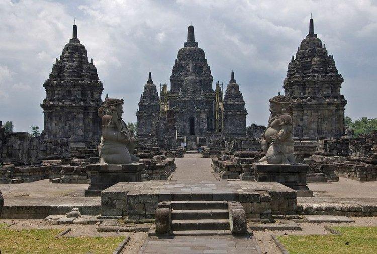 Situs Peninggalan Hindu di Indonesia