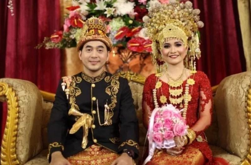 Aman Mayok, Pakaian Pengantin Aceh