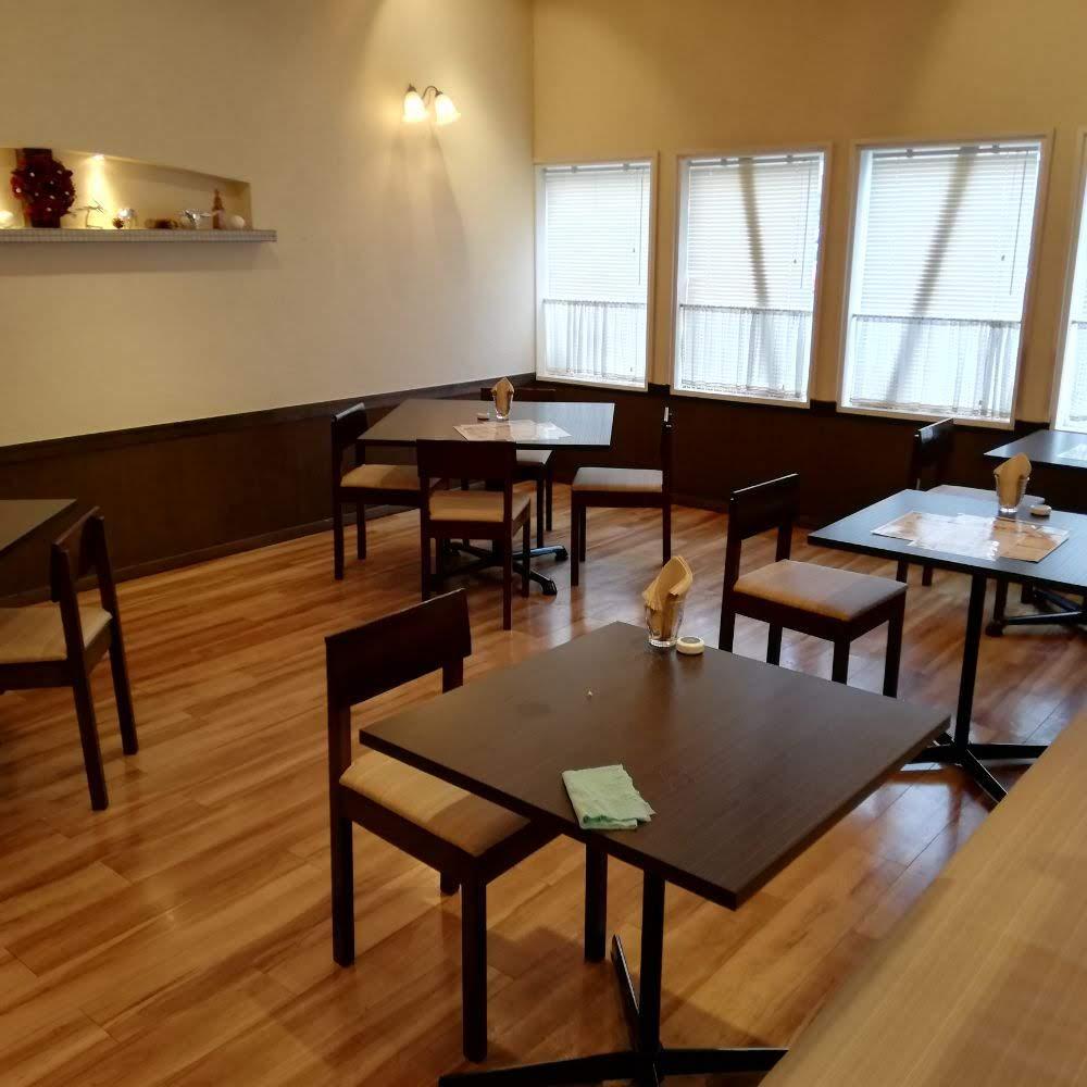 カフェモルフォ(cafe morpho)のとろとろオムライスにはほろほろビーフがついてくる|松江市田和山町
