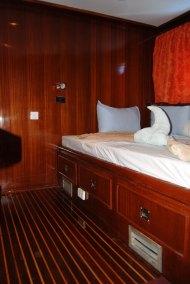upper dbl cabin (685x1024)