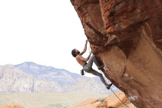 Nate-Moore-Red-Rock-Canyon-Tsunami-Wall-Action-in-Solitude-4_result
