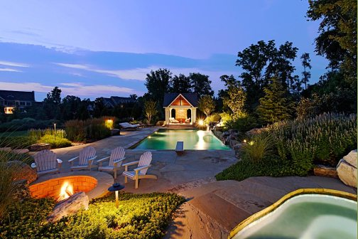CHI1-pool-spa-firepit-patio-pool-house