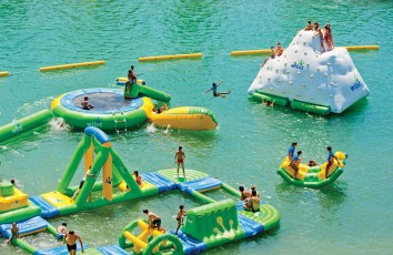 giant-inflatable-water-parks-wibit-sports-modular-10