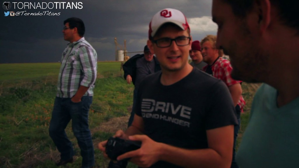 April 22, 2015 Storm Chase | Behind the scenes during a supercell storm chase!