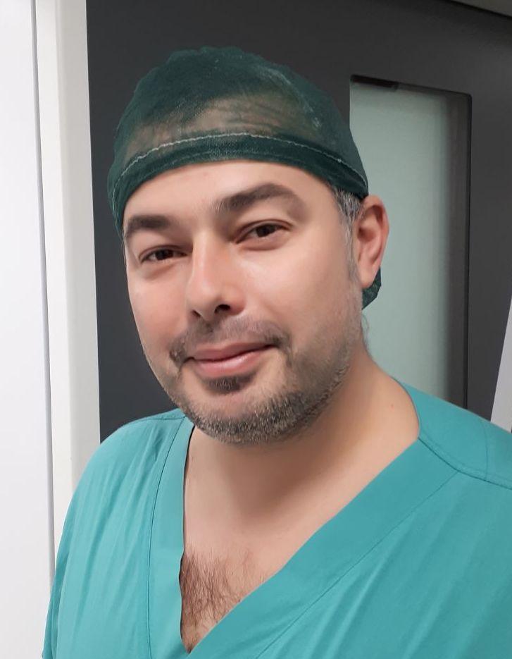 Dr. Massimo Razzano