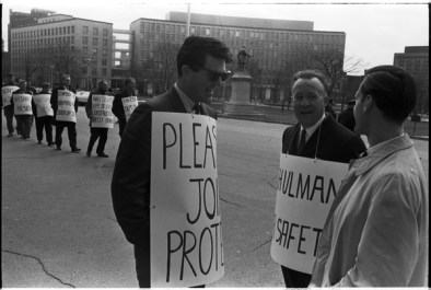 Norm Pike (left) and Local 183 men picketing outside the Queen's Park Legislative building. Photo by Pete Gedes. April 10, 1967. York University Libraries, Clara Thomas Archives and Special Collections, Toronto Telegram fonds, ASC49237.